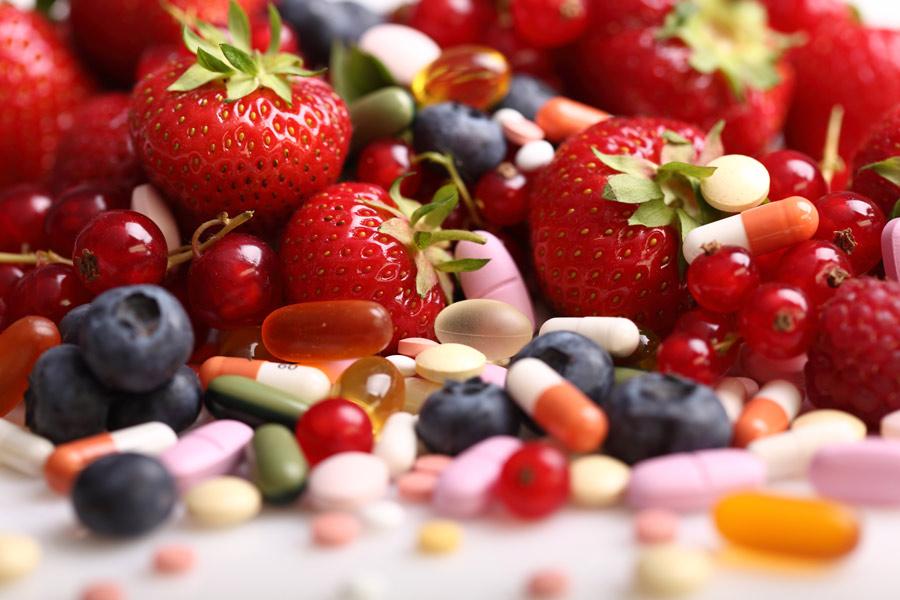 Witaminy – rola w organizmie,  główne źródła w pożywieniu oraz skutki niedoboru